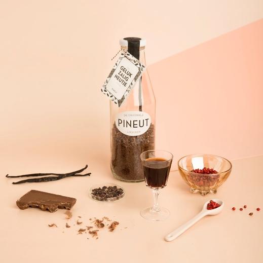 pineut likeur gelukzalig - 2 viendinnen.nl